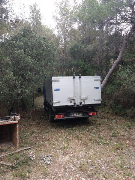 trabajo forestal , limpieza bosque Tarragona