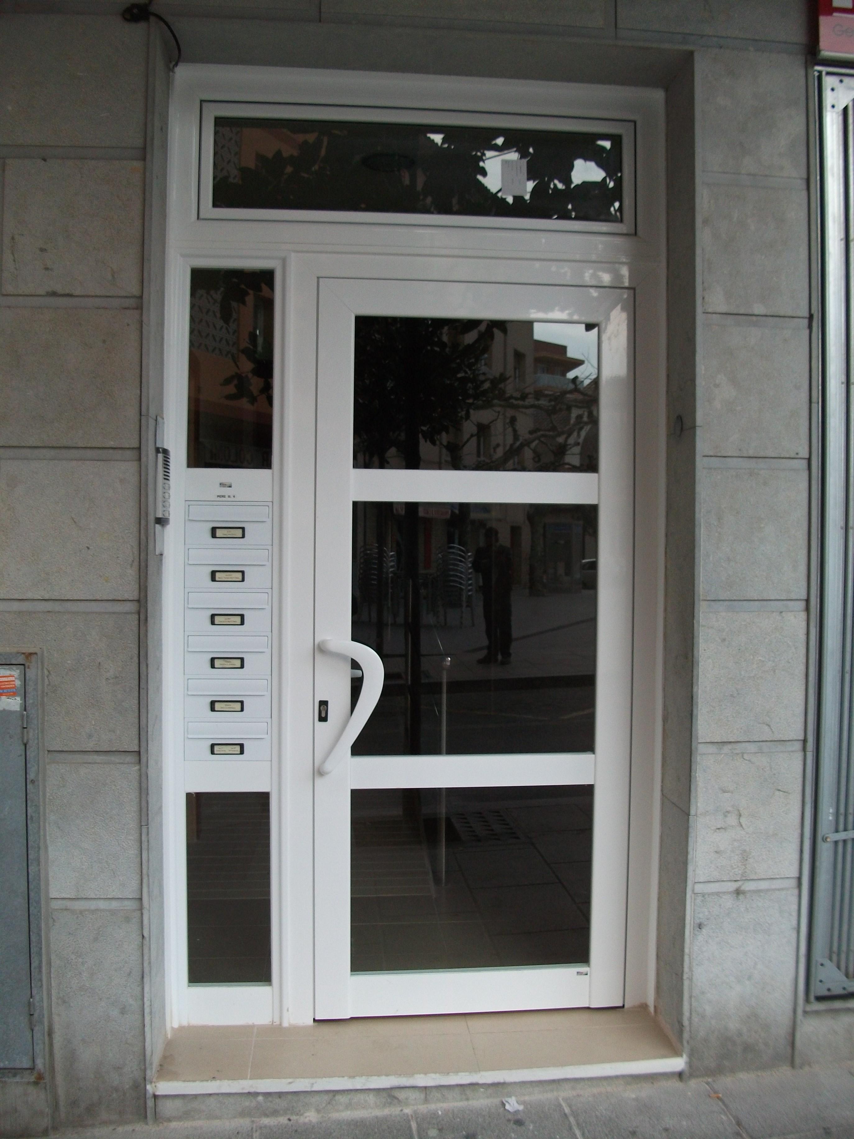 Aluminio En Cambrils Vidralum Instaladores De Cristaleria  ~ Puertas De Aluminio Con Cristal