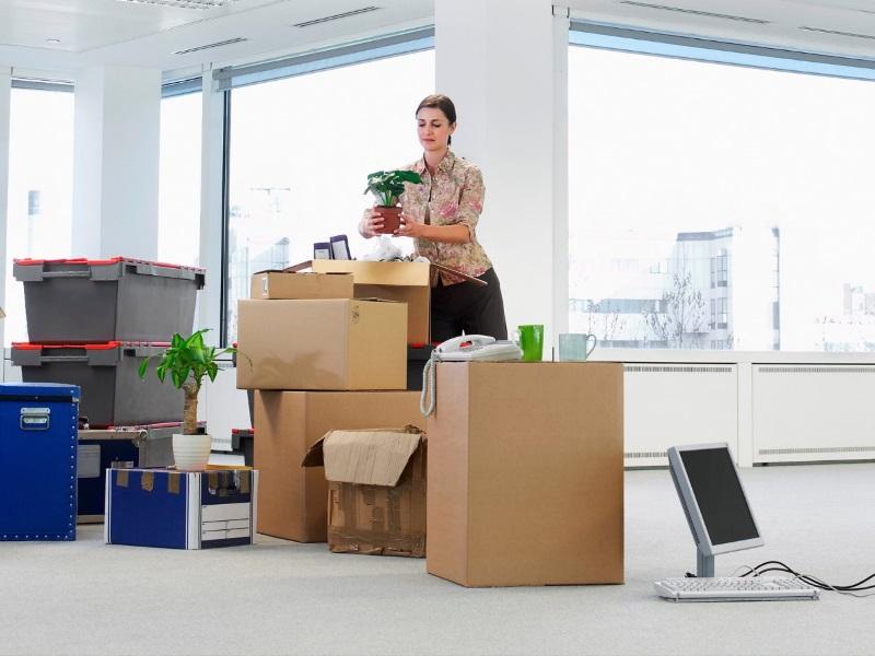 Embalado de su oficina, mobiliario, equipos, etc..