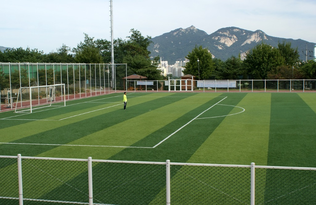 Campo de fútbol con césped artificial en Castelló